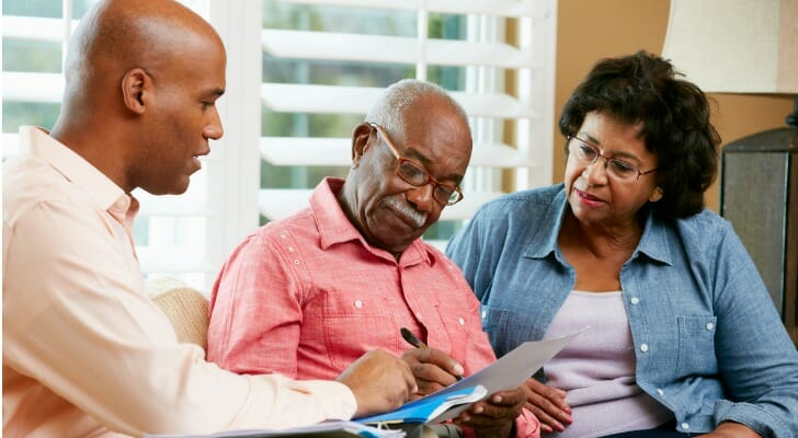 Older couple signs a will